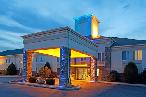 Holiday Inn Express, Otero