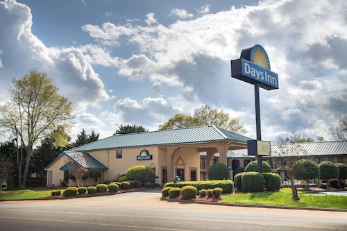 __{offers.Best_flights}__ Days Inn by Wyndham Thomaston