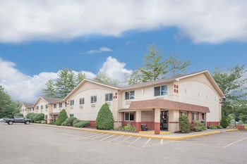 Hotel - Super 8 by Wyndham Queensbury Glens Falls