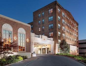 Hotel - Genesee Grande Hotel and Suites