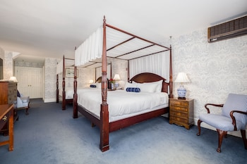 Deluxe Room, 2 King Beds
