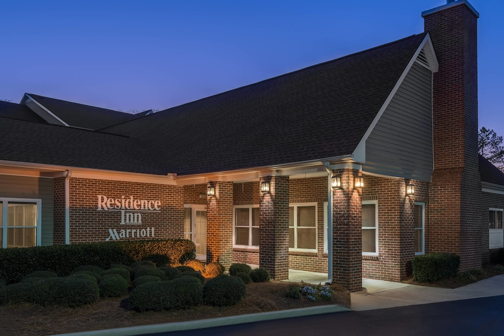 Front entry view of the Residence Inn by Marriott Macon