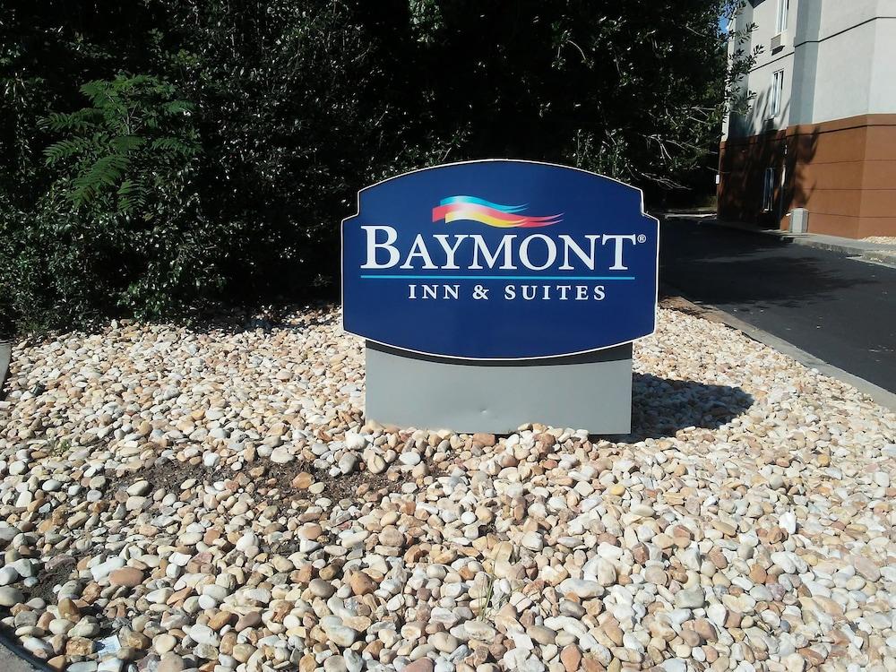 Hotel Entry
