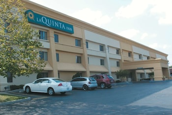 Hotel - La Quinta Inn by Wyndham Milwaukee West Brookfield