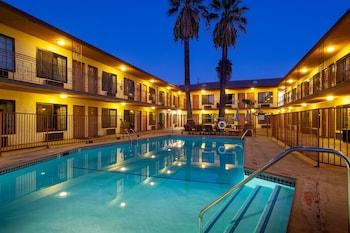 康特亞德影視城飯店 Studio City Court Yard Hotel