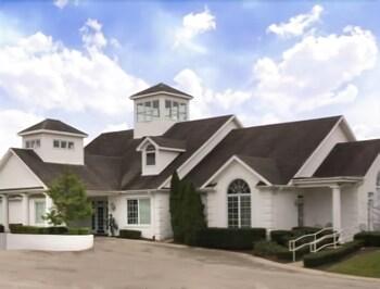 베이몬트 바이 윈덤 조지타운(Baymont by Wyndham Georgetown) Hotel Image 13 - Golf