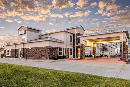. Comfort Inn & Suites Junction City - near Fort Riley