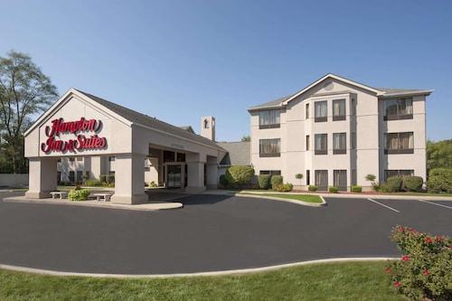 . Hampton Inn & Suites South Bend