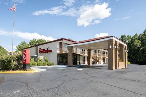 . Red Roof Inn West Point
