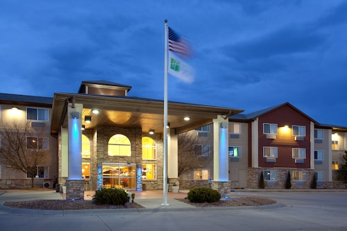 . Holiday Inn Express Hotel & Suites Scottsbluff-Gering