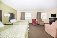 Suite, 2 Queen Beds, Refrigerator & Microwave