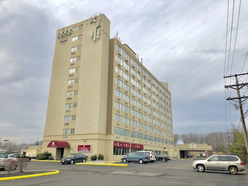 . E Hotel Banquet & Conference Center