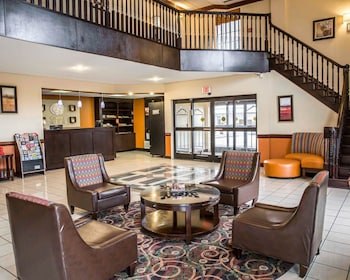 Hotel - Comfort Suites near Camp Lejeune