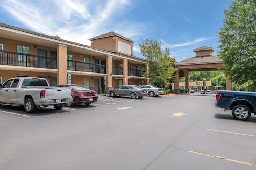 __{offers.Best_flights}__ Quality Inn & Suites Rockingham