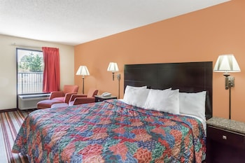 Days Inn of Sanford - Guestroom  - #0