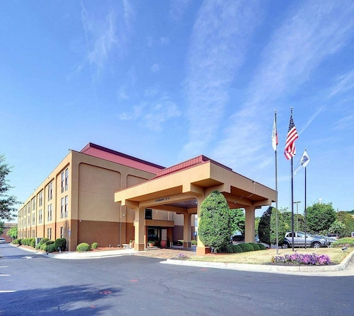 . Hampton Inn Eden