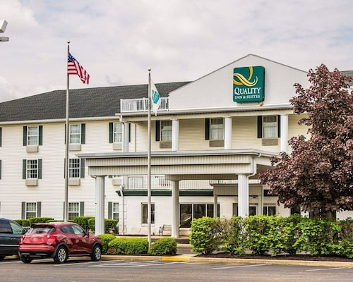 . Quality Inn & Suites Bellville - Mansfield
