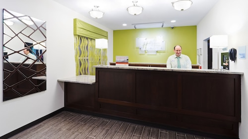 __{offers.Best_flights}__ Holiday Inn Express & Suites Wyomissing