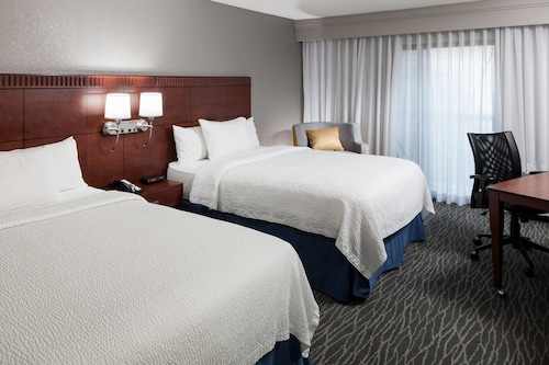 . Courtyard by Marriott Waco