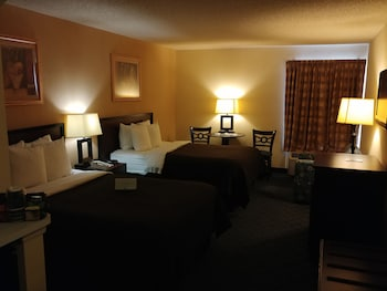 Guestroom at Quality Inn & Suites DFW Airport South in Irving