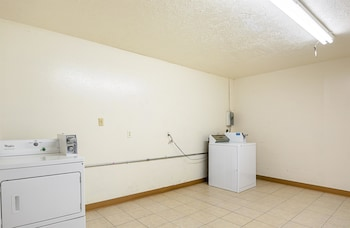 Standard Room, 1 King Bed, Smoking, Refrigerator & Microwave
