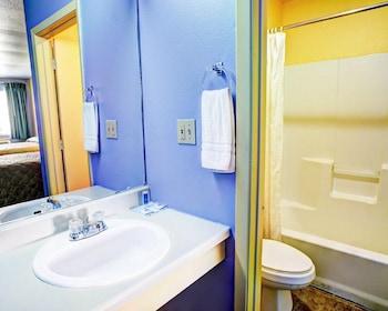 Nites Inn - Bathroom  - #0