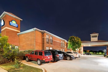 Hotel - Days Inn by Wyndham Dallas Plano