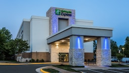 Holiday Inn Express Lorton, an IHG Hotel