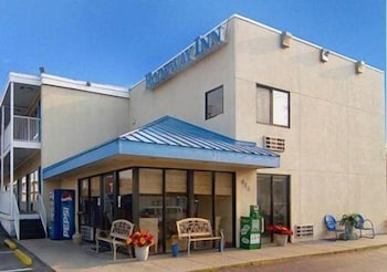 Roanoke Vacations - Rodeside Inn - Property Image 1