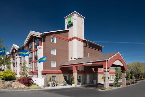 . Holiday Inn Express Wenatchee, an IHG Hotel