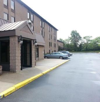 Hotel - Red Carpet Inn & Suites South Plainfield/Piscataway