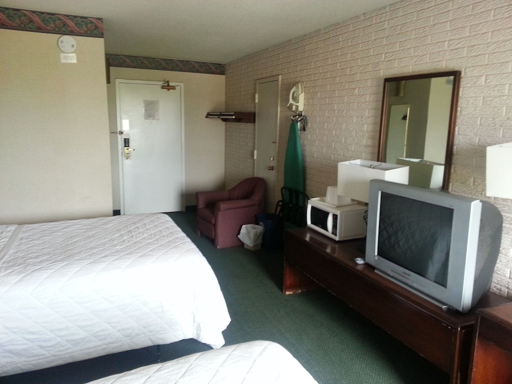 Economy Room, 1 Queen Bed, Non Smoking