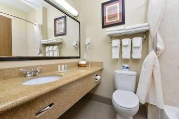 Comfort Suites - Bathroom  - #0