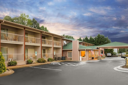 . Ramada by Wyndham Maggie Valley