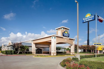Hotel - Days Inn & Suites by Wyndham Corpus Christi Central