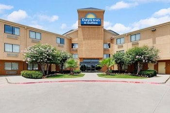 Hotel - Days Inn & Suites by Wyndham DeSoto