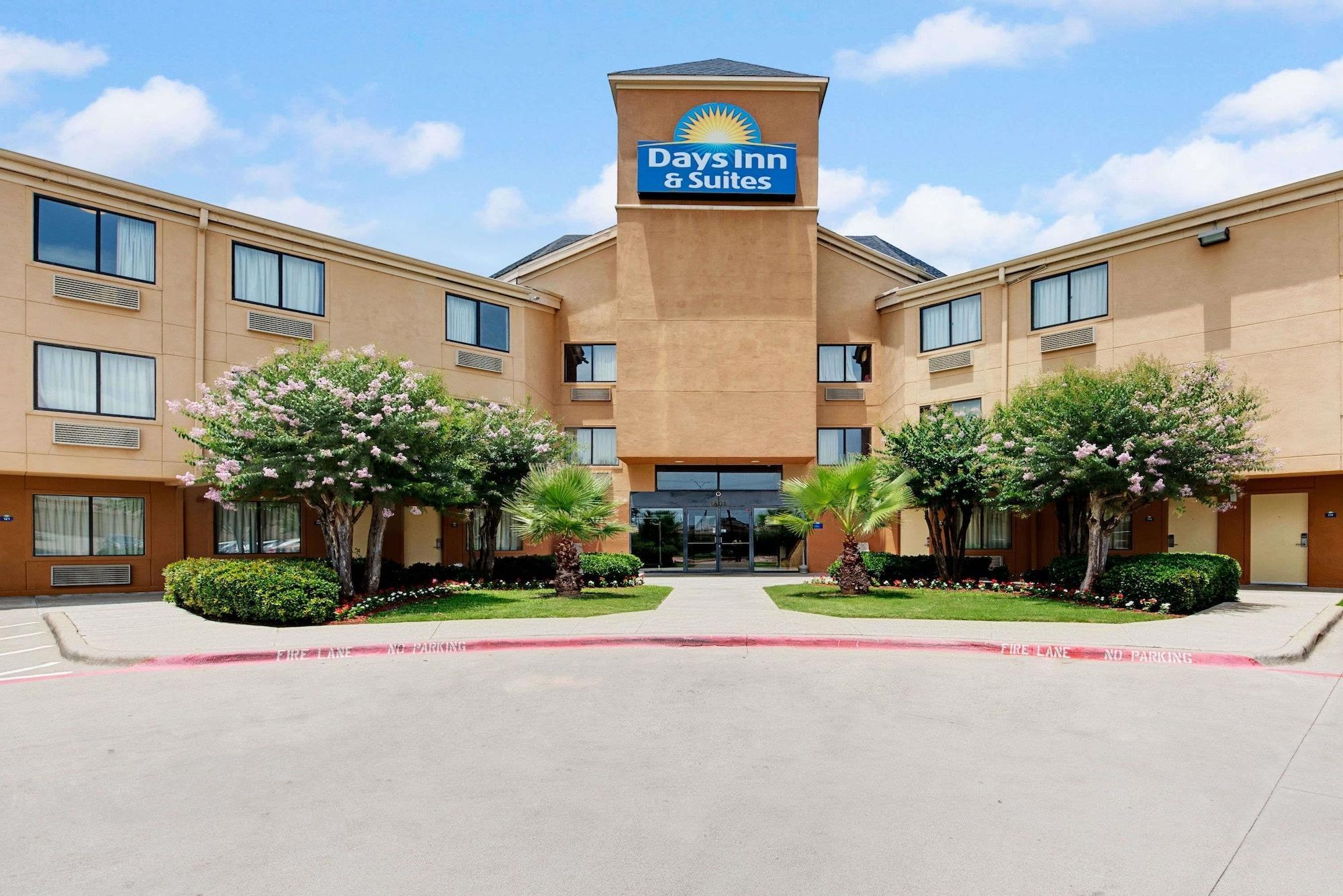 Days Inn & Suites by Wyndham DeSoto, Dallas