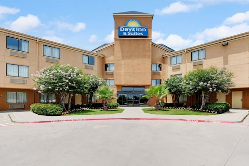 Days Inn & Suites by Wyndham DeSoto, Dallas