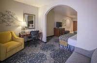 Suite, Multiple Beds, Non Smoking, Microwave (with Sofabed)