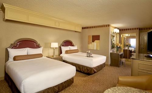 Golden Nugget Las Vegas Hotel & Casino image 30