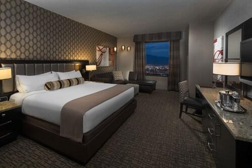 Golden Nugget Las Vegas Hotel & Casino image 37