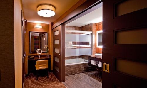 Golden Nugget Las Vegas Hotel & Casino image 24