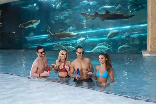 Golden Nugget Las Vegas Hotel & Casino image 2