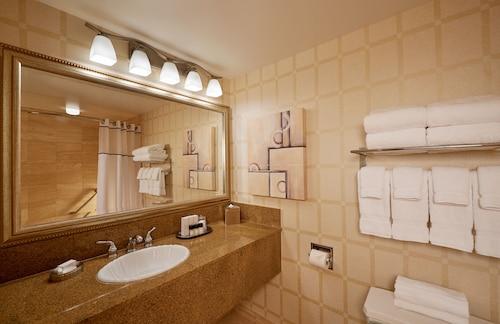 Golden Nugget Las Vegas Hotel & Casino image 44