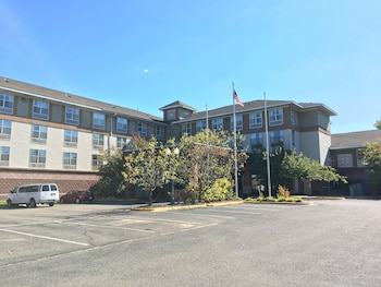 Hotel - Norwood Inn & Suites