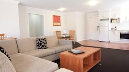 Charles Sturt Suites & Apartments