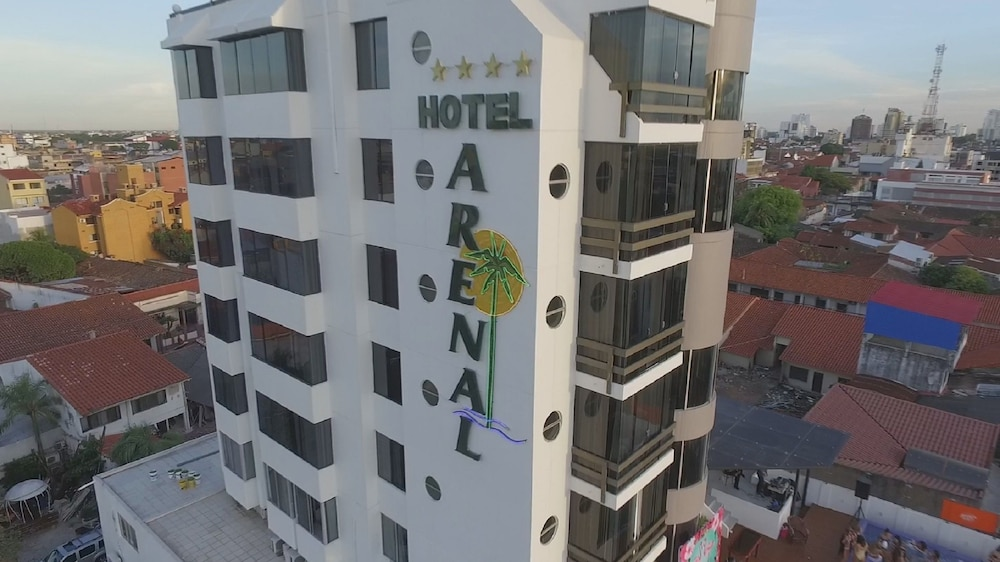 https://i.travelapi.com/hotels/1000000/50000/43900/43892/e206b6df_z.jpg