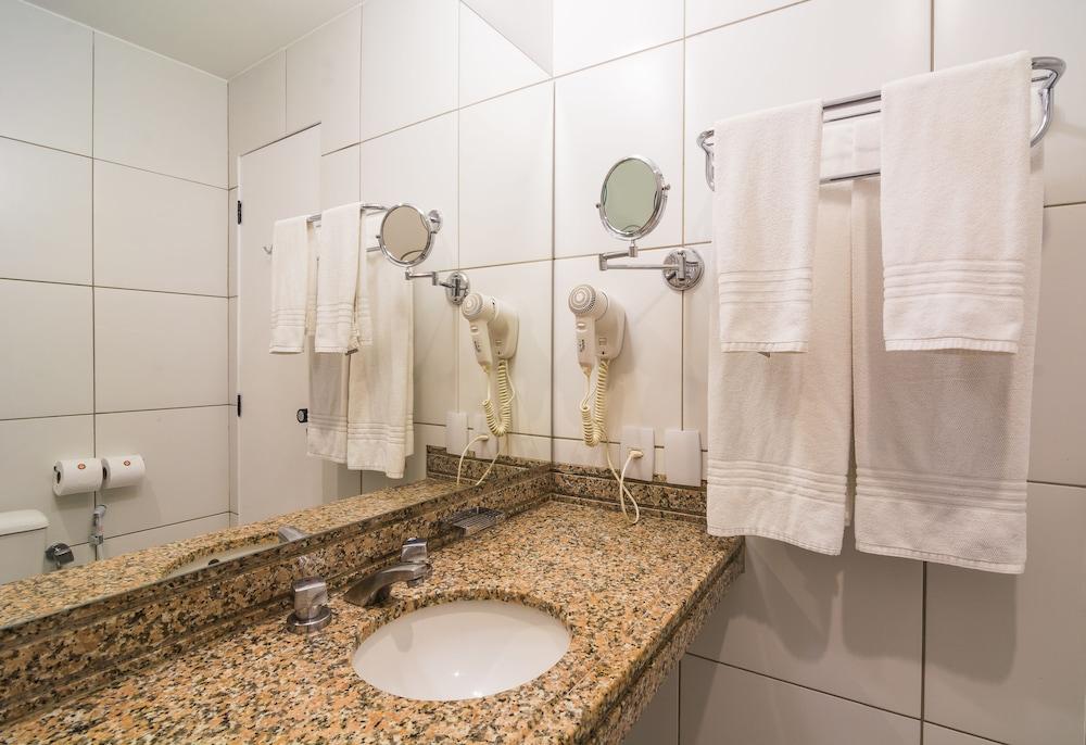 골든 포르탈레자 바이 인터시티(Golden Fortaleza by Intercity) Hotel Image 59 - Bathroom
