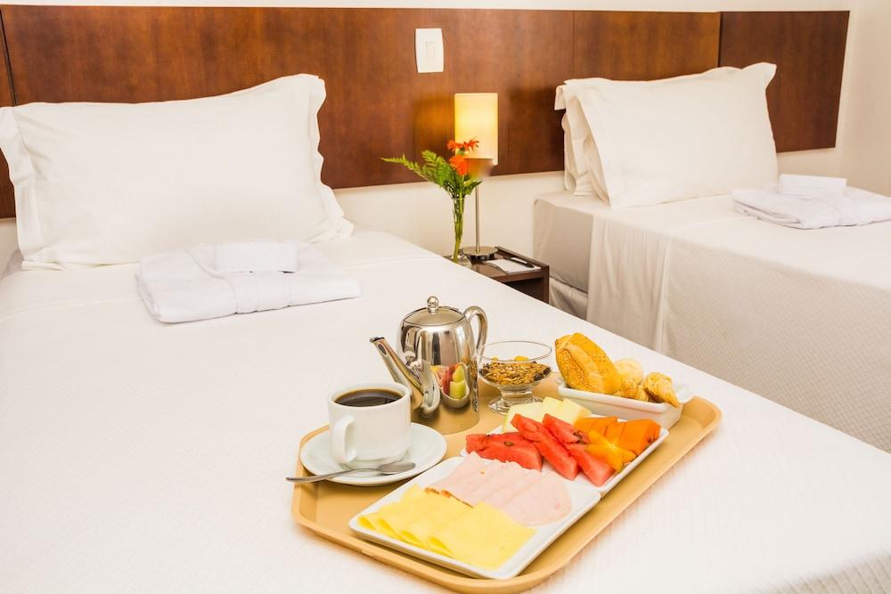 골든 포르탈레자 바이 인터시티(Golden Fortaleza by Intercity) Hotel Image 29 - Room Service - Dining