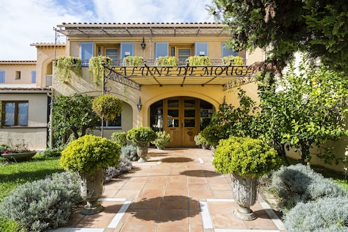 __{offers.Best_flights}__ La Lune de Mougins